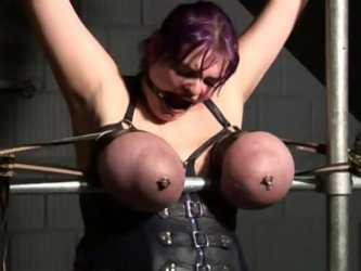 Chunky whore is bounded by her arms and...