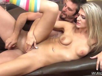 Amanda Tate Is A Hot Blonde That Loves To...