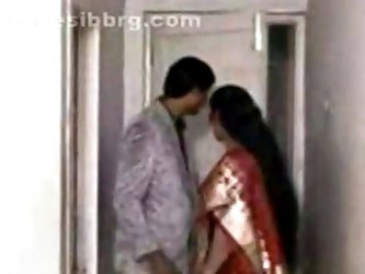 Amateur sex tape with indian mom fucked